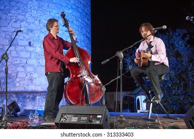 """PROVAGLIO,ITALY - AUGUST 30:  exhibition live of the  duo jazz Val Bonetti and Cristiano Da Ros at the event """"Acoustic Franciacorta 2015"""",30 August ,2015 in Provaglio,Italy"""