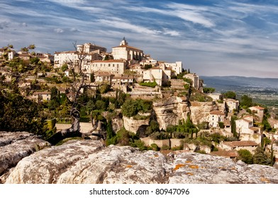 Provence village Gordes overlook