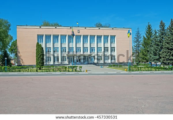 provincial-city-hall-building-small-600w