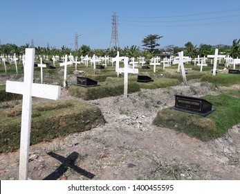 provision of burial land in the city of Surabaya that continues to be carried out (Surabaya, May 15, 2019)