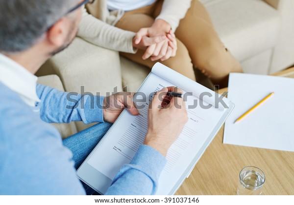 Psychologe mit Patient
