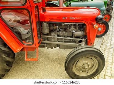 Tractor Classic Car Images, Stock Photos & Vectors