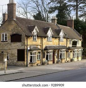 Pub high street broadway cotswolds worcestershire uk