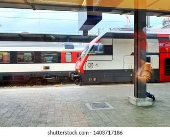 Public transportation - Trains in trainstation