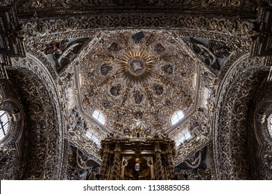 Puebla, Pue. / México - ca. 2014: Inside view of the Rosary Chapel, Capilla del Rosario, one of the best example of the New Spanish Baroque style. It was built between 1650 and 1690.