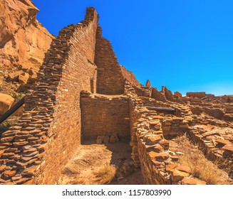 Pueblo Bonito at Chaco Culture National Historical Park, a UNESCO World Heritage Site in New Mexico, USA.  This canyon was inhabited by the Ancestral Puebloans, or Anasazi.