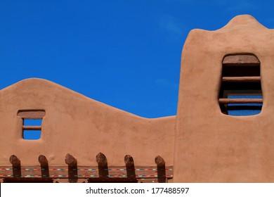 Pueblo-revival style helps make Santa Fe a popular tourist destination