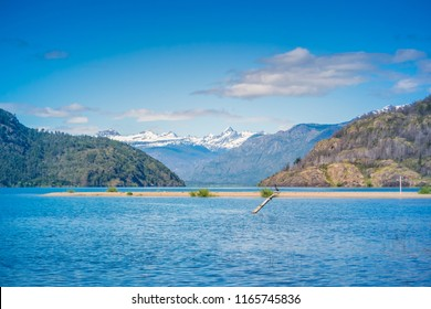 Puelo Lake, Chubut. Patagonia Argentina.
