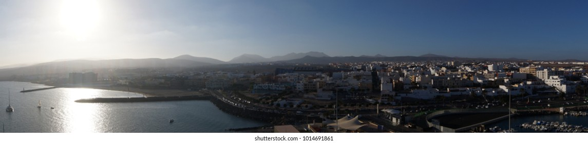 Puerto del Rosario Fuerteventura from the Perspective of the cruise Terminal