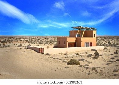 Puerto Penasco - FEB 22: A house in the desert on February 22, 2016 in Puerto Penasco, Mexico