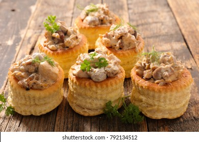 puff pastry with chicken,cream and mushroom