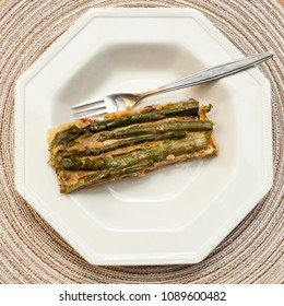 Puff pastry of Kamut with asparagus and dried tomatoes, vegan recipe.