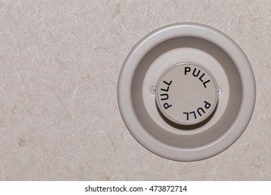 pull button