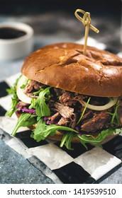 Pulled pork burger with vegetables