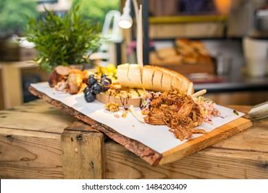 Pullet prok platter bread foodtruck food