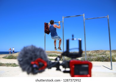 Crossfit Pull-ups Images, Stock Photos & Vectors | Shutterstock