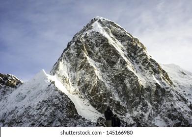 Pumori (7161m)-Himalaya Nepal
