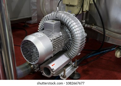 pump of suction polluted air from machne