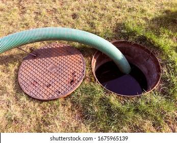 Abwasserbehälter in den Tank pumpen