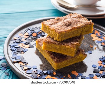 Pumpkin blondies brownies for Halloween holiday party