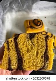 pumpkin roll with cinnamon