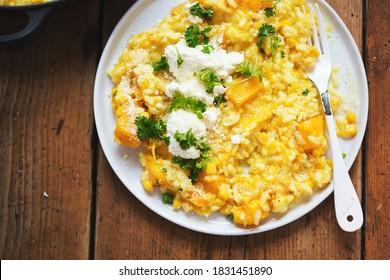 Citrouille et risotto de maïs doux avec ricotta, parmesan et persil