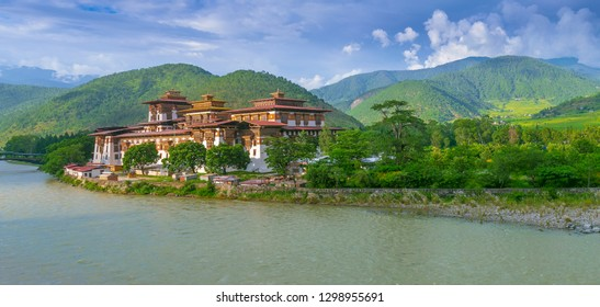 Punakha Dzong Monastery Panorama view, one of the largest monestary in Asia, Punakha, Bhutan