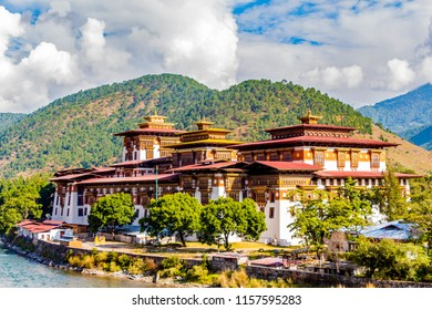 Punakha dzong on a bright, clear, sunny day