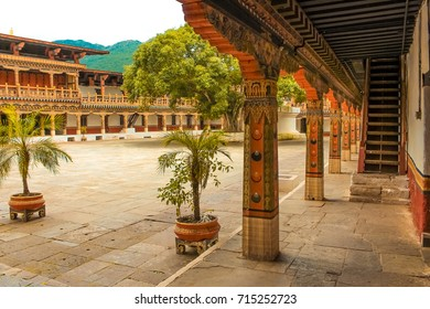 Punakha Dzong Temple (Pungthang Dechen Phodrang Dzong - Palace of Great Happiness), Bhutan. Punakha Dzong located on the river bank of ancient capital of Bhutan