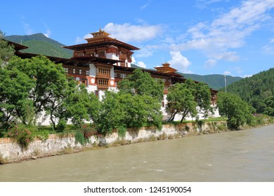 Punakha Dzong in Punakha Valley, built in 1637, has the coronation hall where all Bhutanese kings were crowned.  This is the view from the cantilever bridge of the dzong and Mo River