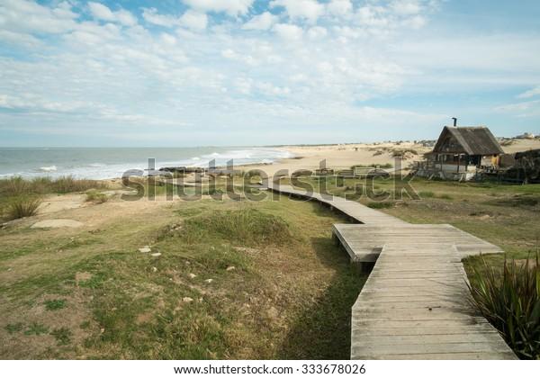 La station balnéaire de Punta del Diablo sur la côte est uruguayenne