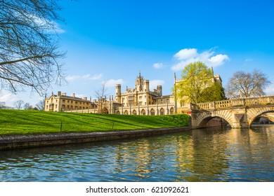 Punting tour in Cambridge University