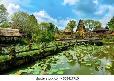 Храм Пура Таман Сарасвати. Убуд. Бали. Индонезия.
