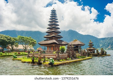 Pura Ulun Danu Bratan, famous Hindu temple on the lake. Bedugul, Bali, Indonesia