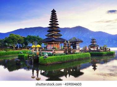 Pura Ulun Danu Bratan, Famous Hindu temple on Bratan lake in Bali, Indonesia.