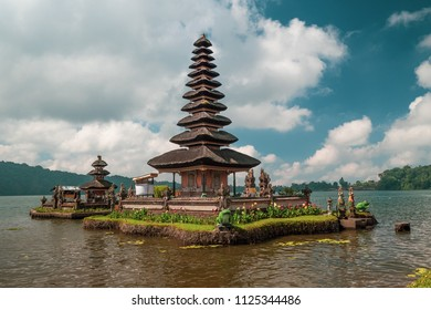 Pura Ulun Danu Bratan Temple, Bedugul Mountains, Bratan Lake, Bali, Indonesia