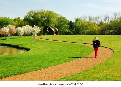 Pepsico Sculpture Gardens Images, Stock Photos & Vectors