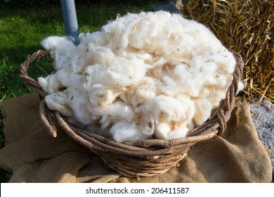pure virgin wool hand working with traditional methods ancient crafts historic medieval festival