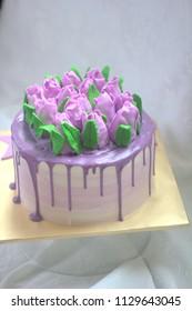 Purple tulips cake