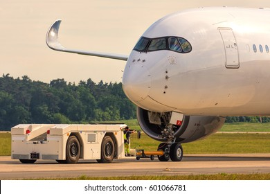aircraft pushback images stock photos vectors shutterstock