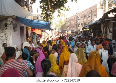 PUSHKAR, INDIA, 19 NOVEMBER 2015 : crowd of local People and tourists visit to  Pushkar Camel Fair which is one of the largest cattle market and camel festival of the world.