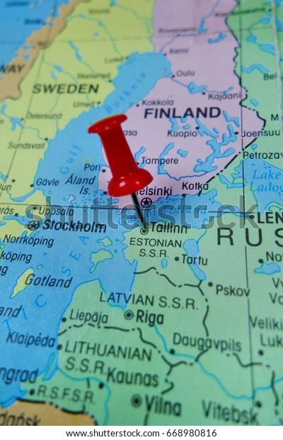 Pushpin Marking On Tallinn Estonia Map Stockfoto Jetzt