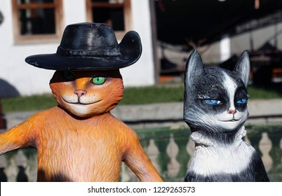"""Puss In Boots arriving at the """"Puss In Boots"""". Realistic Cartoon Character Model. Konya - Turkey. 7 November 2018."""