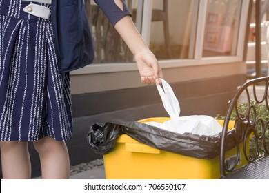 Put trash in trash