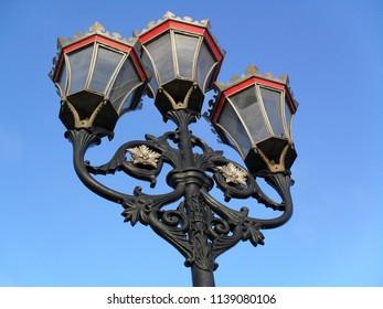 Putney Bridge street lamps