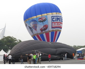 PUTRAJAYA,MALAYSIA-MAR 29, 2014: International Hot Air Balloon Fiesta in Putrajaya.