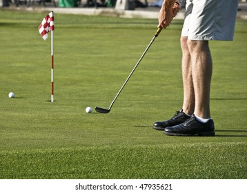 Putting Practice Before Golf Tournament