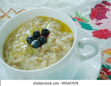 puuro -Finnish version  Porridge dish made by boiling ground, crushed, or chopped starchy plants .