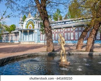 Pyatigorsk, Park Tsvetnik, Lermontov Gallery, now Philharmonic in the Caucasian mineral waters, (1902).
