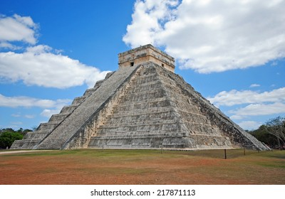Pyramid El Castillo, Chichen Itza, Mexico